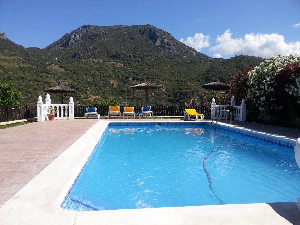 casa rural con piscina en la sierra de c diz